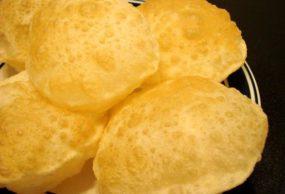 الخبز البوري الهندي
