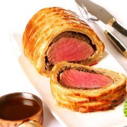 لحم فيليه مع خبز شراك