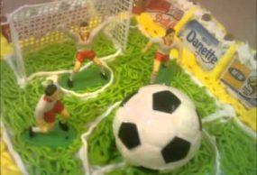 كيك كرة القدم