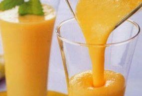 كوكتيل الموز بالتفاح والبرتقال