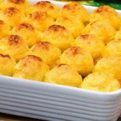 كرات البطاطس المهروسة بالبيض