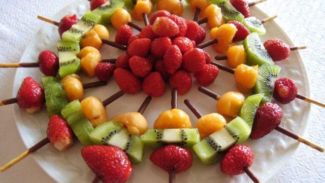أسياخ الفواكه