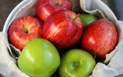 سلطة التفاح